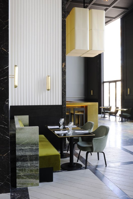 Monsieur-Bleu-at-the-Palais-de-Tokyo-in-Paris-yatzer-13